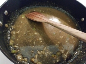 Cook the peanut sauce down