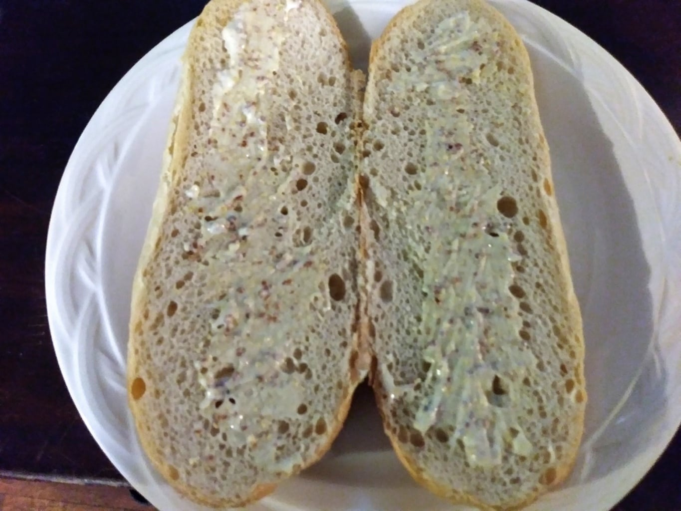 Spread mayo mix on bread